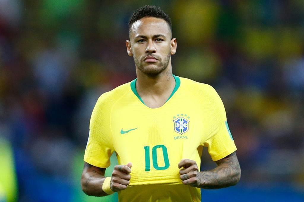 FIFA President Says Brazil's Neymar 'Great' Player, Avoids Talking Alleged Simulations