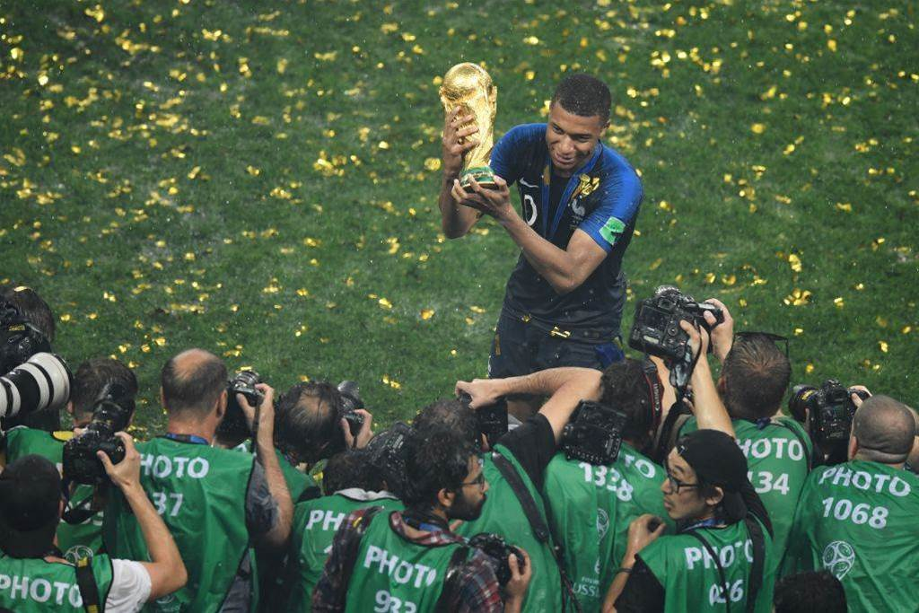 Mbappe wins FIFA young player award at 2018 World Cup