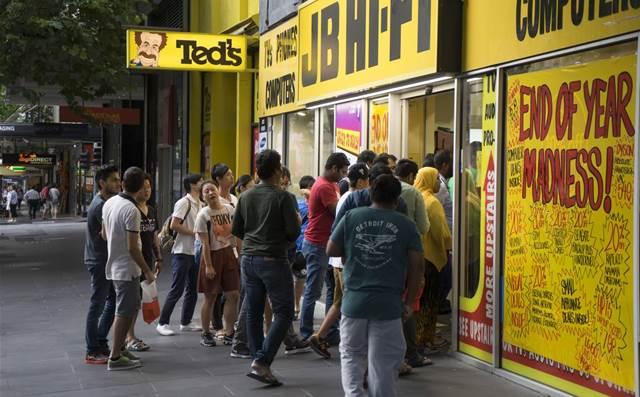 JB Hi-Fi sees strong sales growth despite store closures