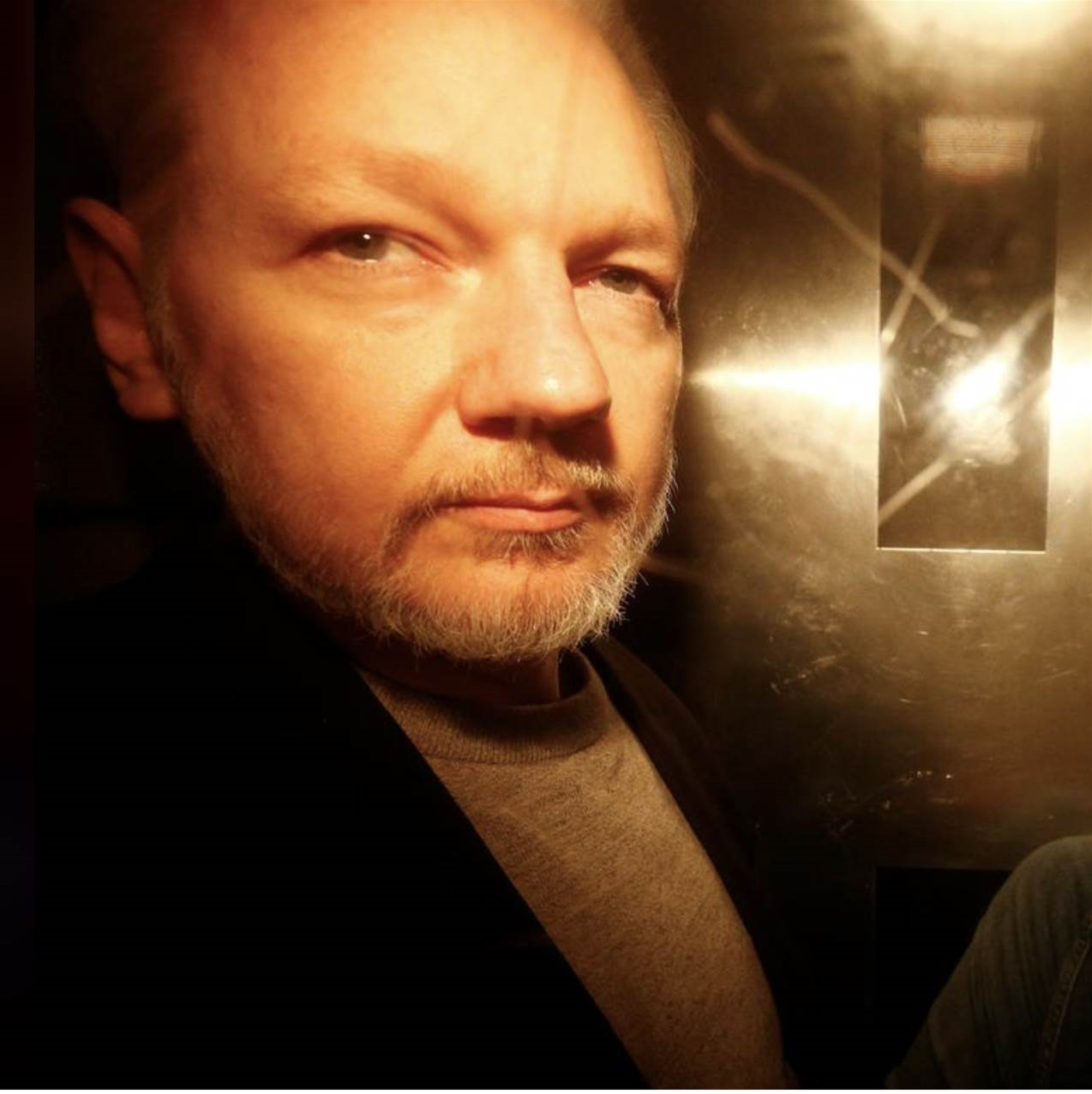 Assange sentenced to 50 weeks prison for skipping bail