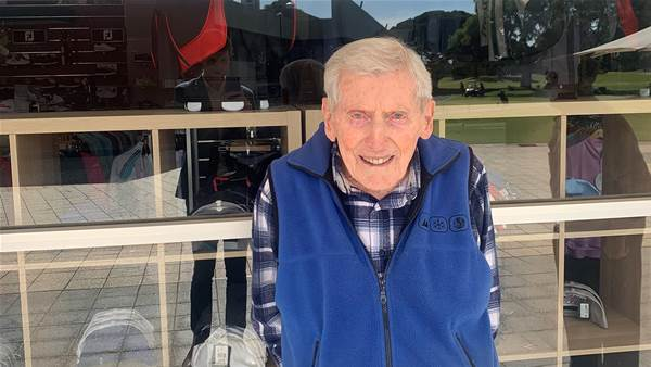 With clubs in tow, 95-year-old Kevin keeps his tee time