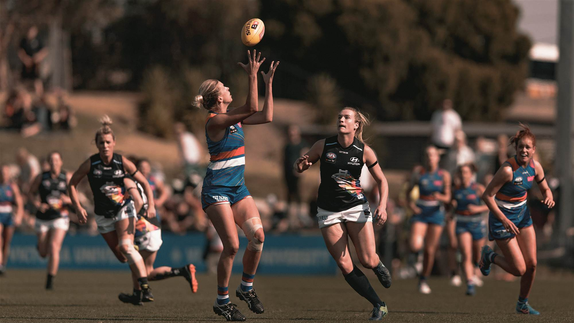 Two-season contracts introduced to AFLW