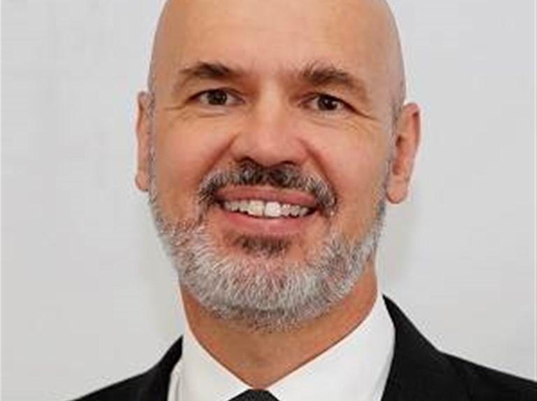 Feds nab Service NSW head to build Services Australia