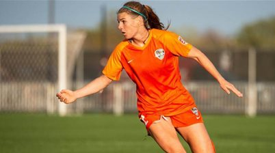 Sydney poach 'magnificent' NWSL star striker