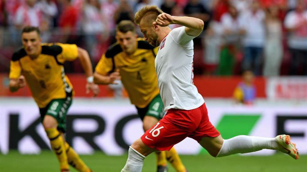 Poland thrash Lithuania 4-0 in friendly