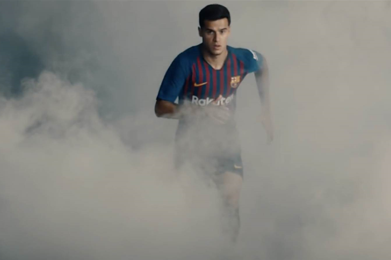 WATCH! Philippe Coutinho light up your phone!