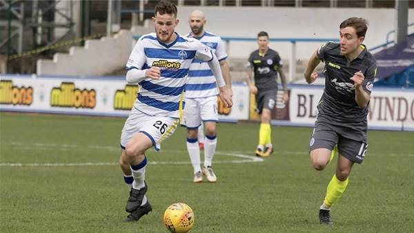 Aussie makes Carlisle move