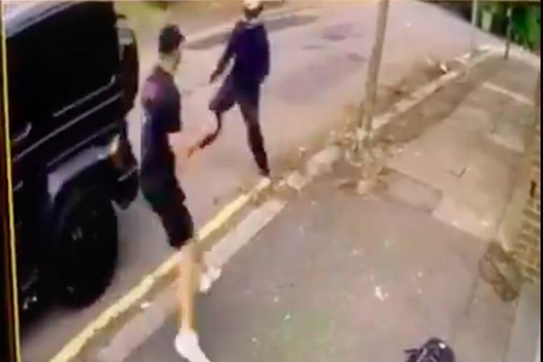Mesut Ozil and Sead Kolasinac escape carjacking