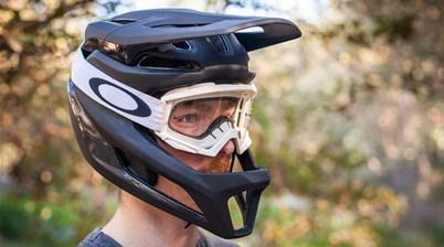 Specialized 640g Gambit helmet