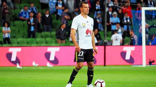 Taylor's advice to A-League refs: 'Let the game flow!'