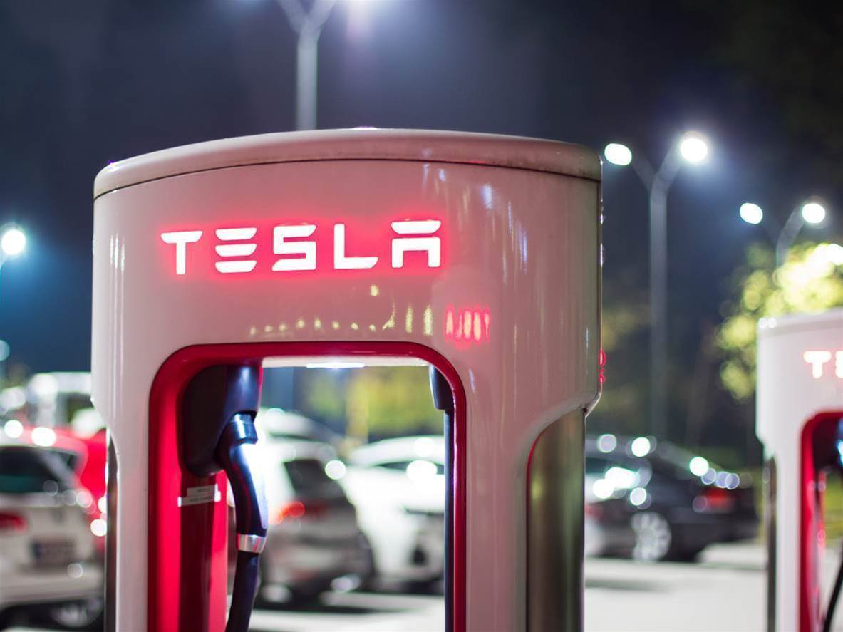 Musk to review all of Tesla's expenses in new cost cutting plan