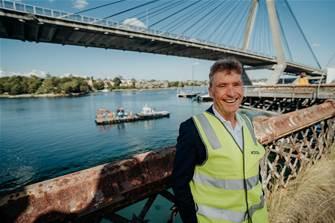 Vocus installs 12th fibre cable across Sydney Harbour