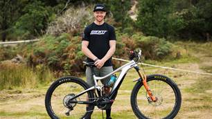 Bike Check: Josh Carlson's Giant Trance E-29