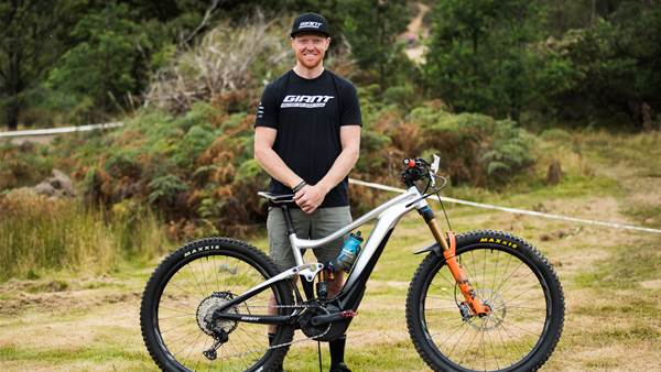 Bike Check: Josh Carlson's Giant Trance E-29