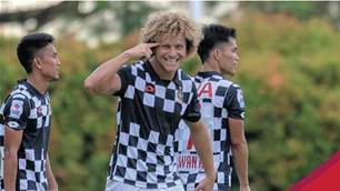 Aussie Ricciuto wins Singapore Premier League award