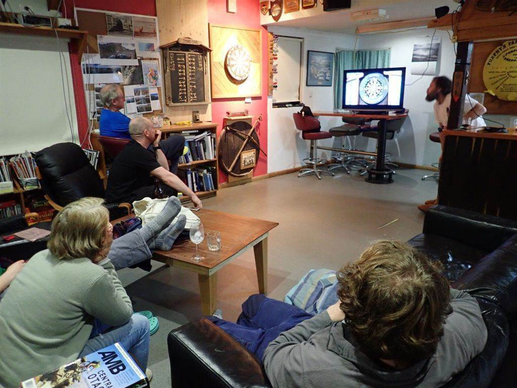 Australian Antarctic bases stage real-time video darts comp