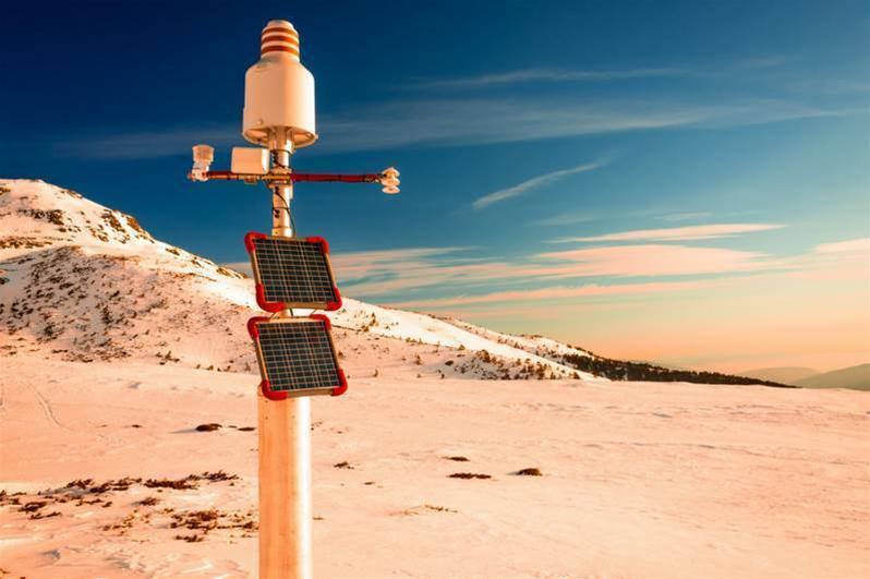 Connecting weather stations simply and securely
