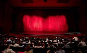 Cinema-as-a-service operator casts for crowdsourced sessions
