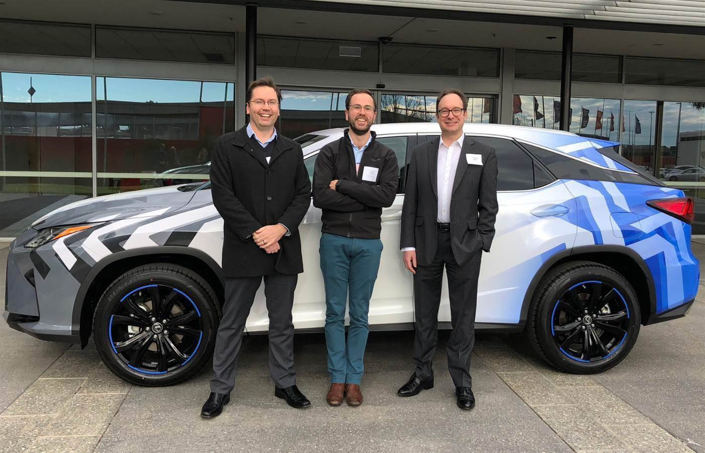 Telstra teams with Lexus to trial 4G connected vehicle safety features