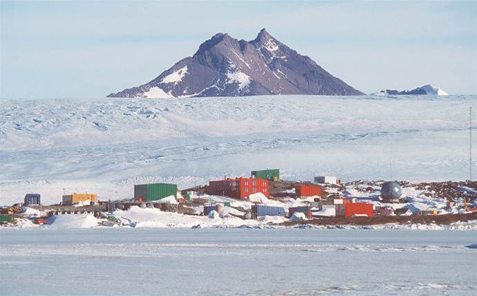 Rival telco ousts Telstra for Antarctica satellite deal