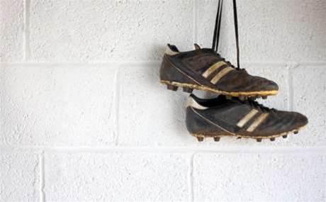 Reseller punts football sponsorship after players' drunken antics