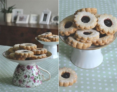 how to make a cake stand using a mug and plate