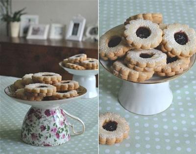 how to make a cake stand using a mug and plate