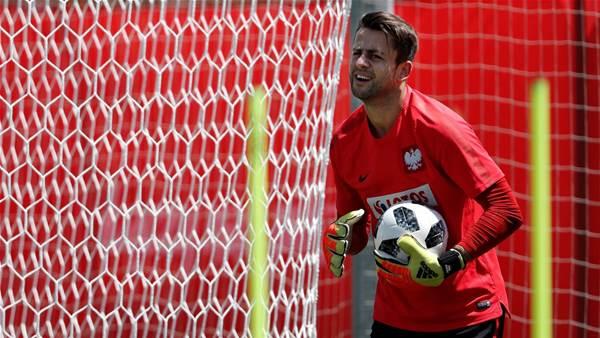 West Ham sign Poland goalkeeper Fabianski
