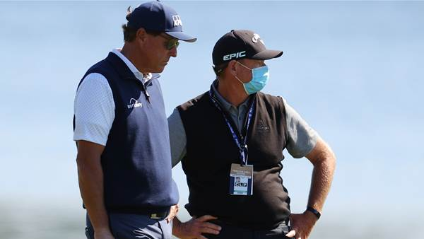 Mickelson lauds Aussie coach in record win