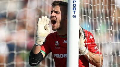 Macarthur sign Federici replacement