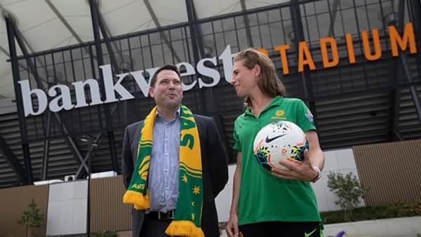 Western Sydney Stadium to change names