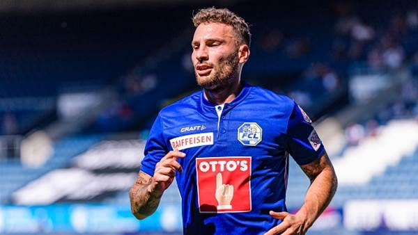 Melbourne A-League club signs 'commanding' Italian striker