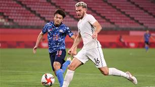 OlyWhite wants to switch allegiance to Socceroos