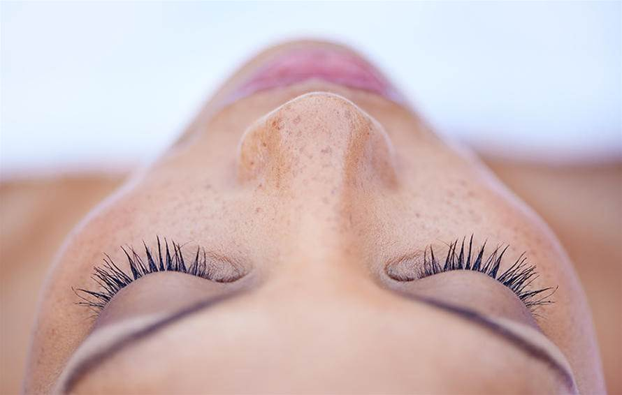 The Best Way To Grow Your Eyelashes Longer And Fuller Naturally