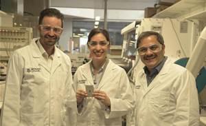 Researchers crack cathode challenge for high-capacity Li-S batteries