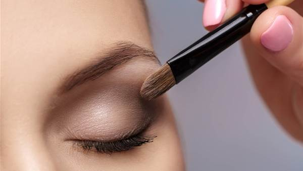 The 6 Make-Up Rules You Need For Younger Eyes