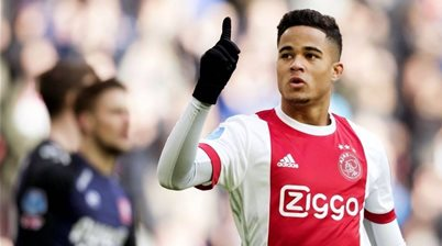 Justin time - Kluivert's kid signs for Roma