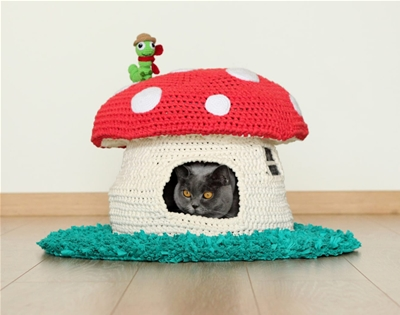 crochet this mushroom cottage for your cat