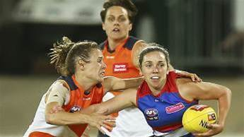 AFLW Rising Star Nominees: Ferres & Hatchard