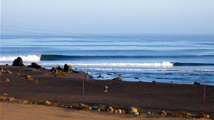 Barrels in Lobitos – Big nights in Mancora