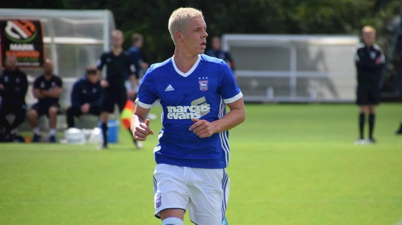 Phoenix swoop for New Zealand international striker