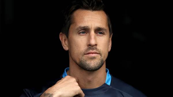Manly close in on Pearce