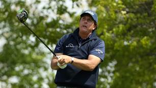 Mickelson to use two drivers at US Open