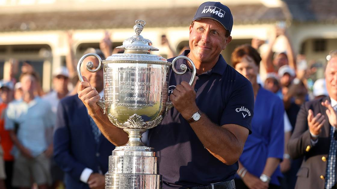 Mickelson becomes oldest major champion at PGA