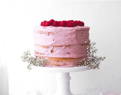 raspberry and banana cake