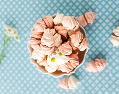 rose water meringues with chocolate