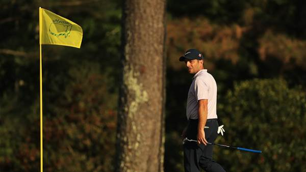 Faultless Francesco leads as Tiger lays in wait