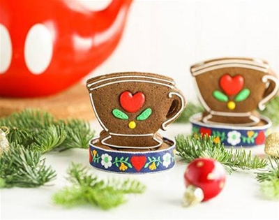 gingerbread tea-cup bikkies