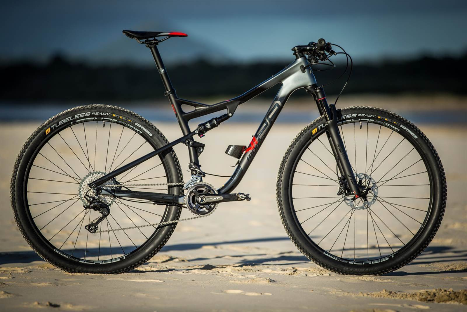 FIRST LOOK: Momsen Vipa Race Two