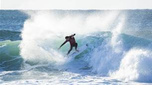 J-Bay: Sharks, Pumping Surf and Broken Boards on Day Two